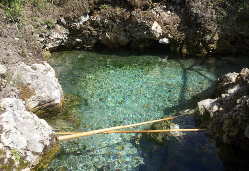 Acerra, acqua sulfurea miracolosa cura dermatite