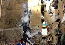 "Murales ""mano de dios"" maradona ai Quartieri Spagnoli"