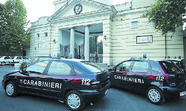 Pagani: vigile urbano si suicida nel cimitero
