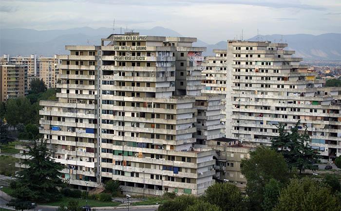 Scampia, addio alle vele: 18 milioni di euro per demolirle