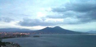 Meteo Napoli, oggi: cielo nuvoloso e bombe d'acqua