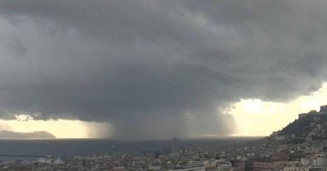 Meteo Napoli oggi, 11 agosto: temporali e schiarite, domani torna il sereno