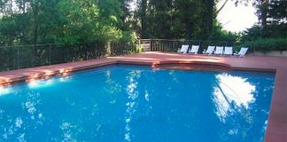 Villaricca: evade dai domiciliari per fare un tuffo in piscina
