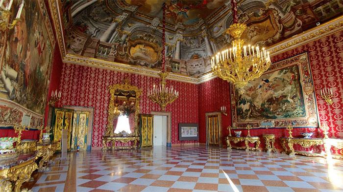 Napoli in mobilità: incassi dei musei ai terremotati