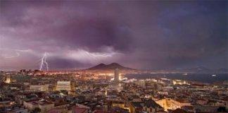 Meteo Napoli, oggi: rovesci e temporali dal primo pomeriggio