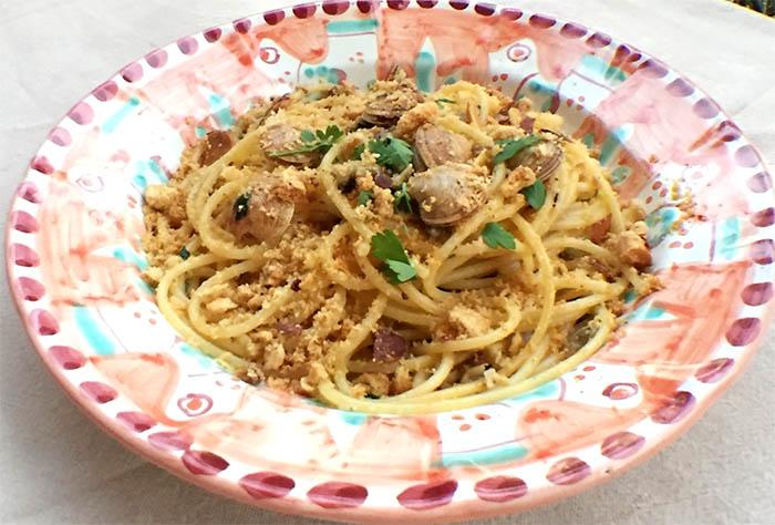 Ricetta vermicelli alle vongole veraci e taralli made in Naples
