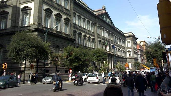 """Napoli, in arrivo un corso universitario per studiare la """"canzone napoletana"""""""