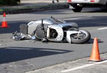 Incidente a Giugliano, impatto tra due scooter: grave un ragazzo