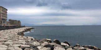 Meteo Napoli: il cielo si copre di nubi, piogge deboli in serata