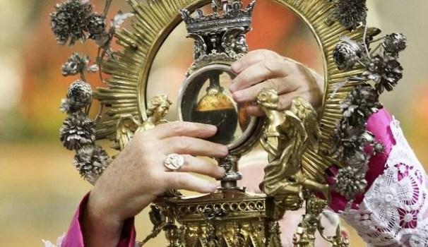 """Un altro """"Miracolo"""" di San Gennaro: trovata terza ampolla col suo sangue"""