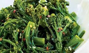 """Ricetta broccoli di Natale all'agro: più noti come """"vruoccoli"""""""