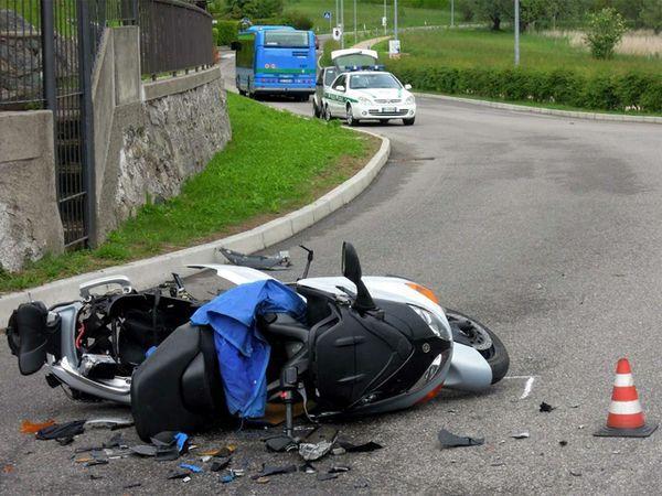 Incidente stradale, Santa Maria la Carità: due feriti