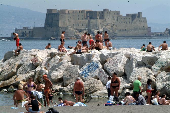 Meteo Napoli, Caronte arriva con temperature oltre i 40 gradi