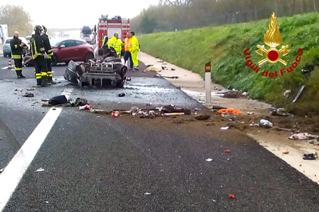 Incidente stradale sulla Napoli-Canosa: una giovane vittima