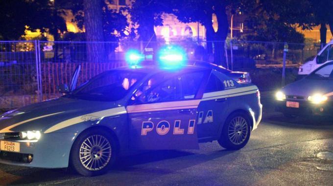 Giallo a Napoli: due cadaveri trovati in strada