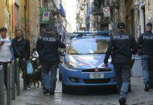 Quartieri Spagnoli, la lite finisce nel sangue: ferite tre persone