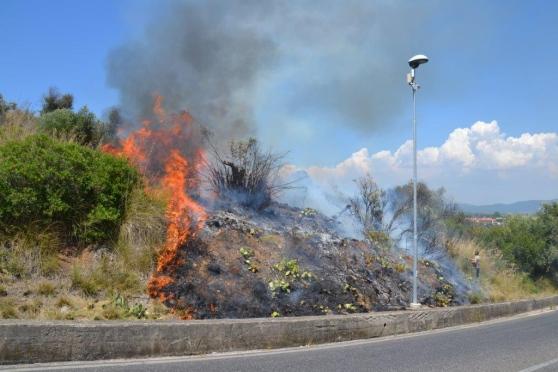 Incendio ad Acerra: una persona gravemente ferita