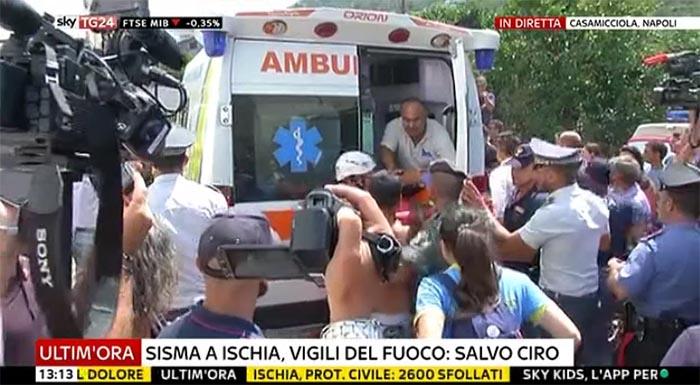 Terremoto a Ischia: Ciro, il piccolo eroe è stato tratto in salvo