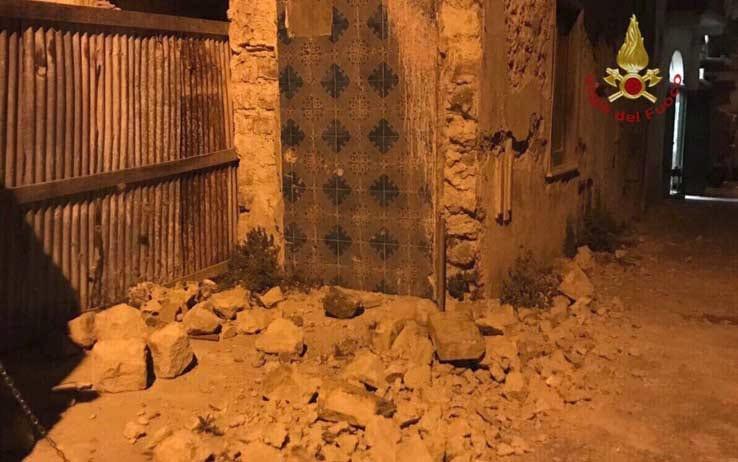 Terremoto a Ischia: si lavora per sottrarre il piccolo Ciro dalle macerie
