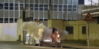 Aeroporto Capodichino, allarme bomba: esploso un furgone