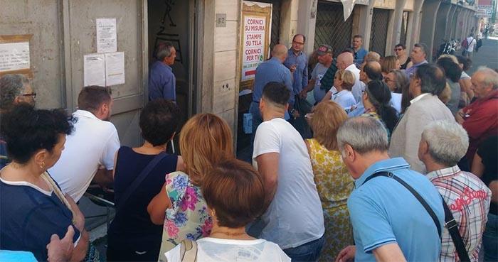 V Municipalità: caos e lunghe file per i permessi di sosta