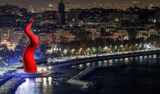 Corno rosso sul lungomare di Napoli proprio No! Iniziativa bocciata