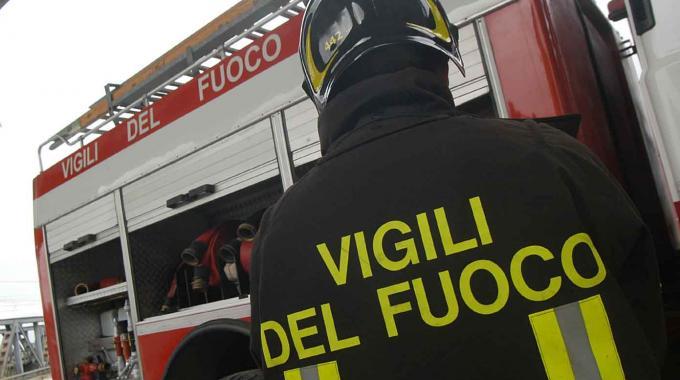 Frana in provincia di Napoli: auto distrutte e tanta paura