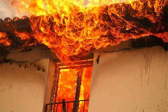Incendio a Pomigliano d'Arco