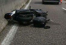 Incidente a Torre Annunziata: scontro frontale tra scooter e auto