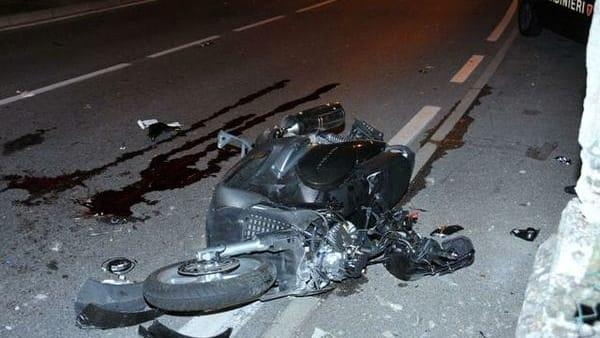 Tragico incidente stradale: muore il giorno del suo compleanno