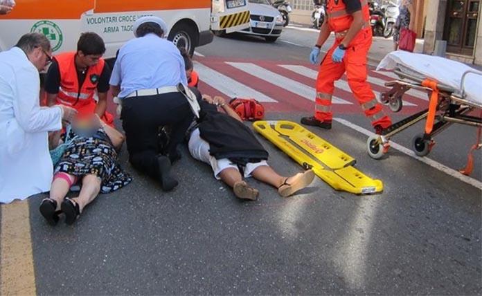 Incidente stradale: investita e trasportata in ospedale