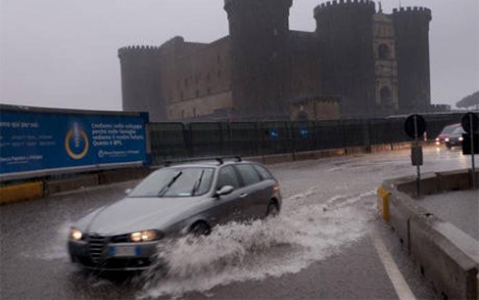 Meteo Napoli, criticità gialla: forti temporali per il 2 settembre