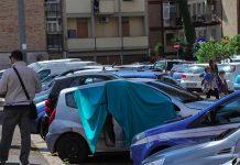 Giallo a Napoli: trovato cadavere nell'auto di un medico