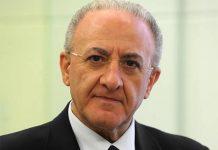 Il governatore Vincezo De Luca investe una persona in scooter
