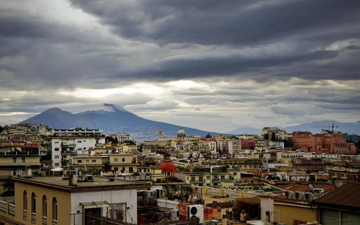 Meteo Napoli, l'inverno si anticipa: temperature in calo