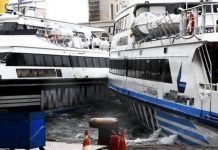 Napoli, il primo incidente a mare: causa maltempo