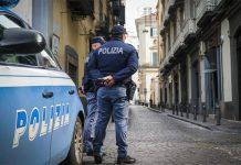 Sparatoria a Napoli: scooter sfrecciano nella notte e seminano terrore