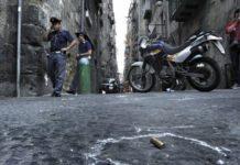 Sparatoria a Napoli: diverse stese seminano il terrore