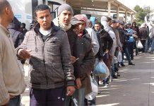 """""""Napoli Città Rifugio"""": quel piano che dà lavoro agli immigrati. E ai napoletani senza lavoro?"""