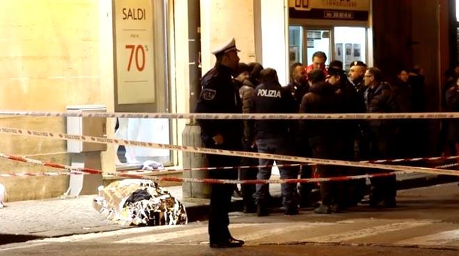 Frattamaggiore, rapina in gioielleria: titolare uccide rapinatore