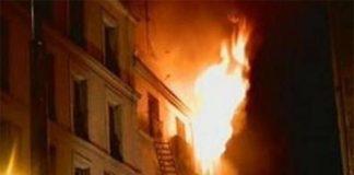 Napoli, grave incendio in una palazzina: residenti in fuga