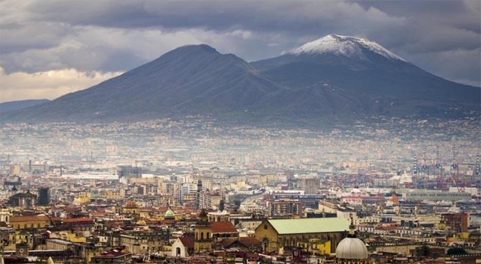 """Meteo Napoli: arriva """"Burian"""" e riporta il grande inverno"""