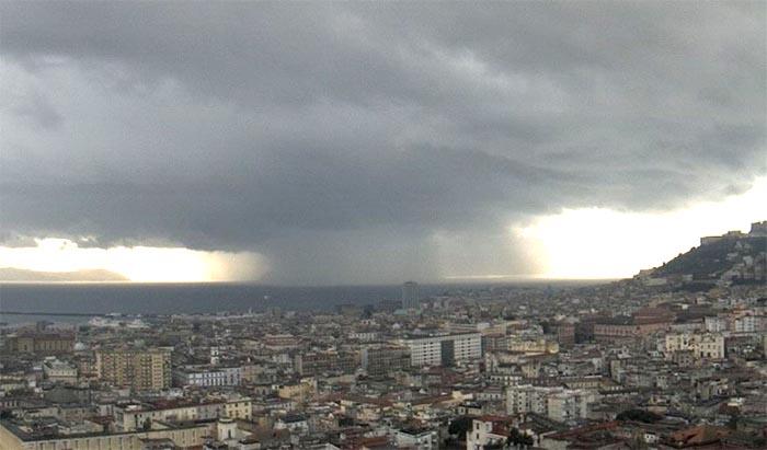 Previsioni Meteo, Napoli: solo domenica spunta il sole