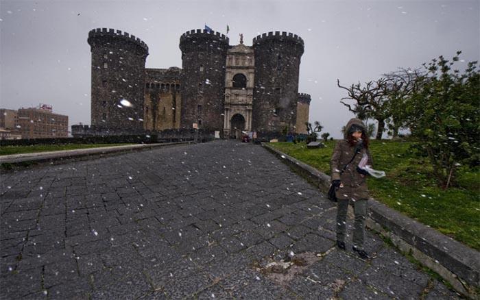 Meteo Napoli: Burian è arrivato portando con se anche la neve
