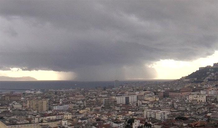 Maltempo Campania: allerta meteo di colore Giallo dalle 22.00 di oggi