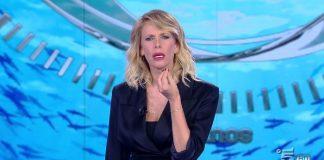 """Alessia Marcuzzi. L'Isola dei Famosi: """"Rivogliamo Simona Ventura"""""""
