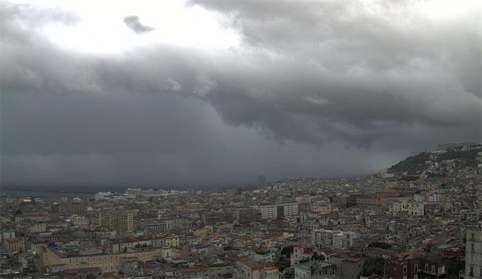 Meteo Napoli: temporali in arrivo prima di Pasqua