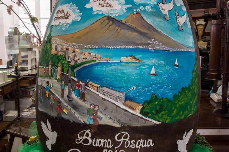 """Gay Odin, uovo da 300 kg: dedicato a Napoli e alle """"grandi speranze"""""""