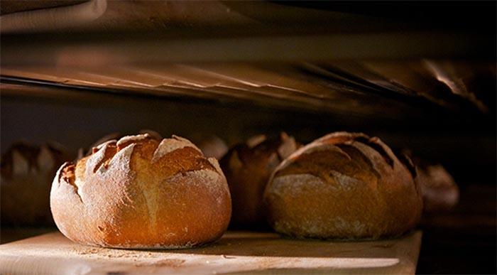 Come si cuoce il pane fatto in casa?