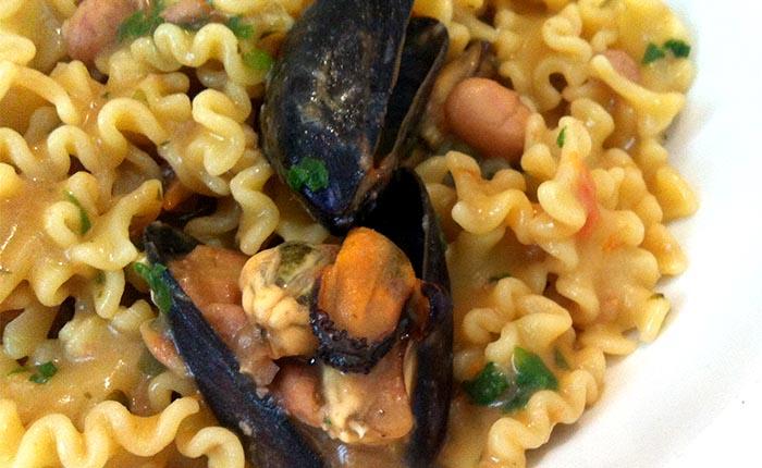 Ricetta della pasta e fagioli con cozze di Antonino Cannavacciuolo